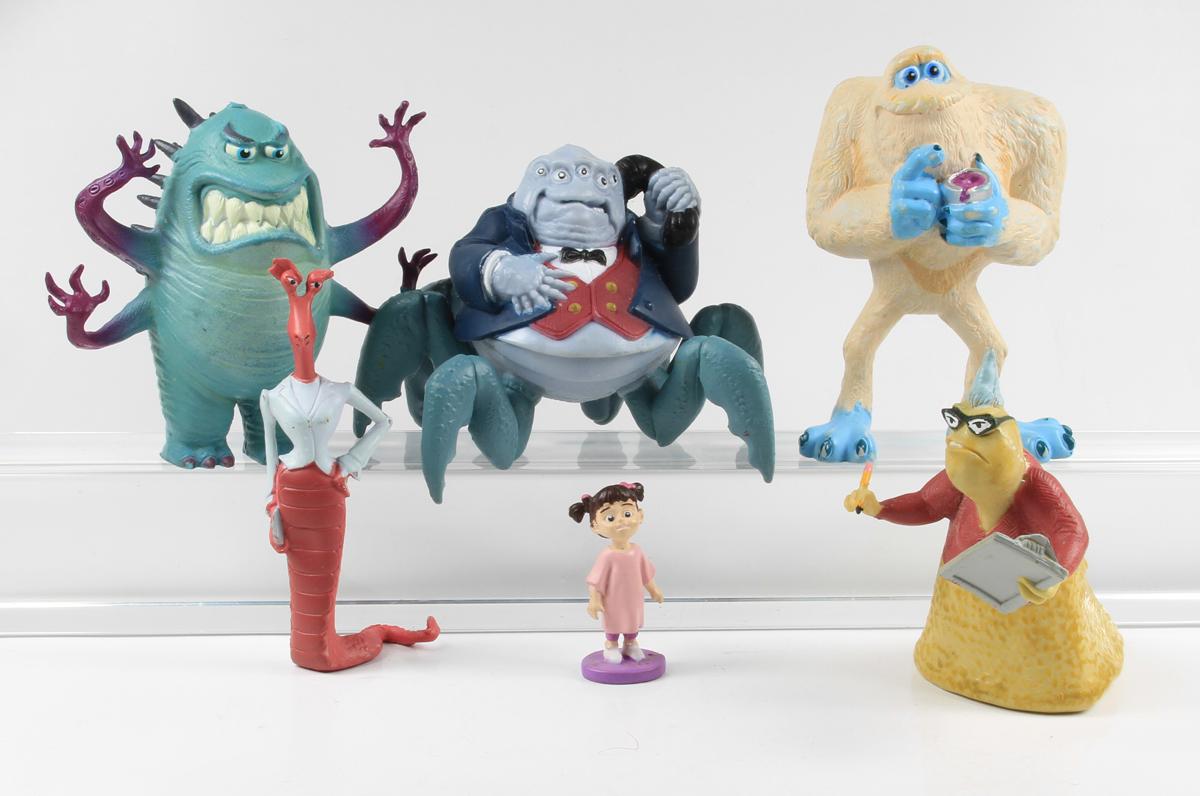 monster uni ag walt disney 6 figuras hasbro ebay. Black Bedroom Furniture Sets. Home Design Ideas